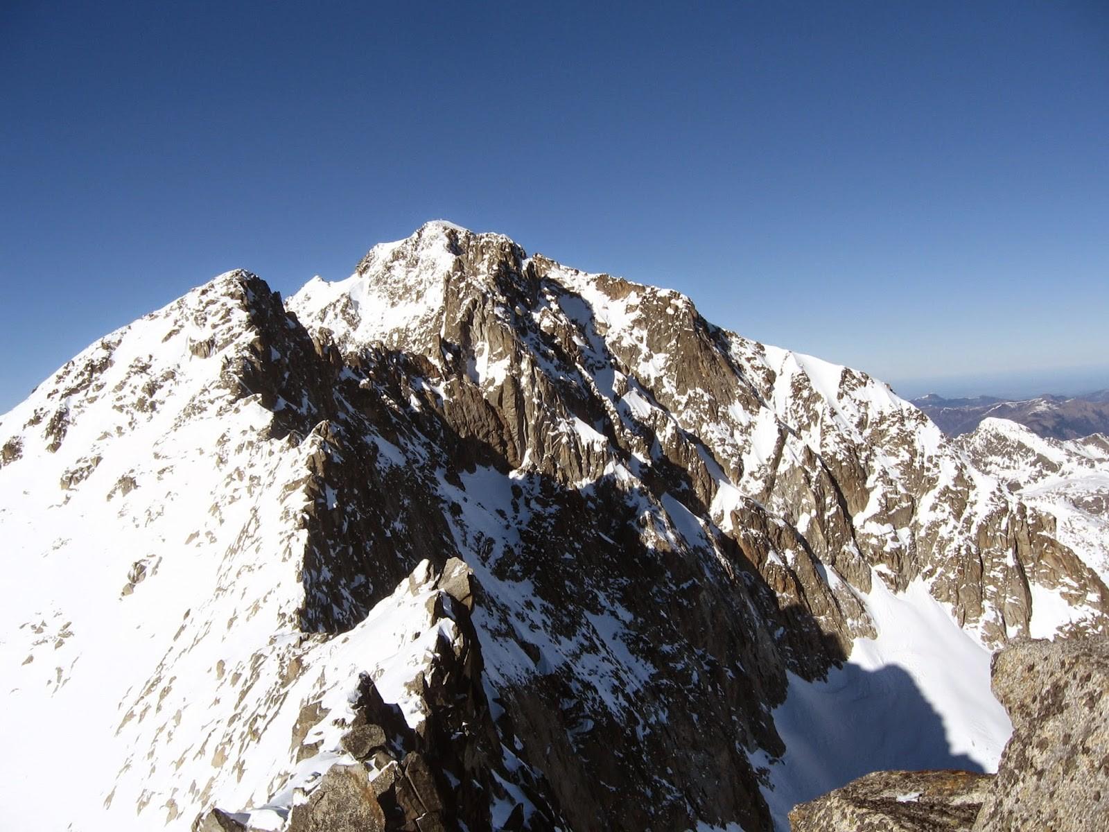 Diez consejos para subir al Aneto, el pico más alto del Pirineo